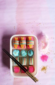 Check out this bento box filled with candy sushi! A fun project and treat for the kids and - ahem - for certain adults - ahem.