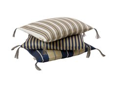 Pillows in 100% linnen in a traditional swedish pattern from Klässbols Linneväveri