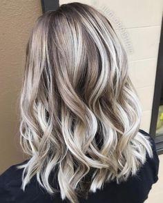 Bronde Hair With Platinum Highlights Ash Blonde Highlights, Blonde Roots, White Highlights, Platinum Highlights, Dark Roots, Caramel Highlights, Ombre Hair Color, Hair Color Balayage, Blonde Color
