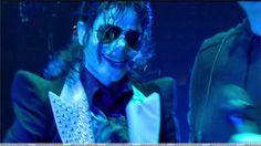 Michael Jackson-Love his smile:)