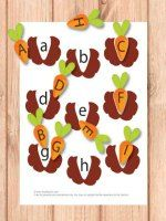 This one is my favourite file folder game from this Easter pack and I'm sure kids will love it!  It's all about planting the carrots by matching the upper case letters on the carrots with lower case letters in the ground.