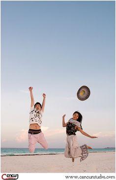 Throw your hats in the air!  It's #Friday!! #beachweekend #HoneymooninCancun #Cancunphotography #FollowFriday