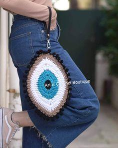 Diy Crochet Bag, Crochet Beach Bags, Crochet Eyes, Crochet Woman, Crochet Crafts, Hand Crochet, Free Crochet, Knit Crochet, Celebrity Casual Outfits