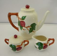 Vintage Franciscan Ware Apple Coffee Pot and Creamer Sugar Bowl #Franciscan #CoffeePotset