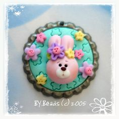Bunny Polymer Clay Bottle Cap Bead Scrapbooking por RainbowDayHappy, $4.25
