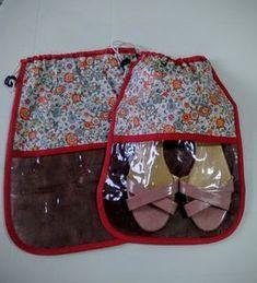 Saco para Sapato em TNT com Cordão e Visor Transparente. Consulte-nos sobre as estampas e cores disponíveis.