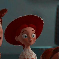 All Disney Movies, Disney Pixar, Cartoon Icons, Girl Cartoon, Iconic Characters, Disney Characters, Whats Wallpaper, Cute Disney Pictures, Disney Icons