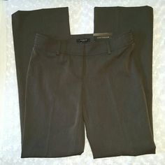 Ann Taylor modern fit trouser leg *NWT Great career pants,33in inseam,17 in across the waist no returns or trades reasonable offers only thanks Ann Taylor Pants Trousers