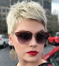 kurze und bunte Haarmodelle für Damen - einhaarfrisur com (9) Funky Hairstyles, Hairstyles Haircuts, Teenage Hairstyles, Braided Hairstyles, Short Hair With Layers, Short Hair Cuts, Shot Hair Styles, Curly Hair Styles, Pelo Pixie