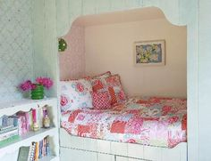 Bed nook, super cozy - could build for Savannah