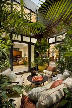 Patio interior - Cool and Cozy Small Backyard Seating Area Ideas Interior Tropical, Tropical Home Decor, Interior Garden, Interior Design, Tropical Patio, Tropical Furniture, Tropical Garden Design, Tropical Colors, Apartment Balcony Decorating