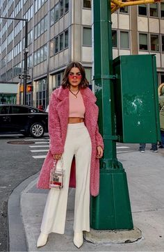 The Best Street Style From New York Fashion Week Best Picture For outfit ideas summer For Your Taste You are looking for something, and it is going to tell you … Street Style Outfits, Looks Street Style, Mode Outfits, Fashion Outfits, Womens Fashion, Fashion Week, Look Fashion, Autumn Fashion, Fashion Trends