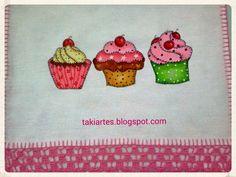 Pano de prato com pintura de cupcakes!