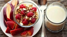 Fruit and oatmeal breakfast - for your skin