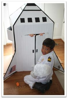InspireMe Crafts: Day 18 of 92 Crafty Days of Summer: Cardboard Box Space Shuttle