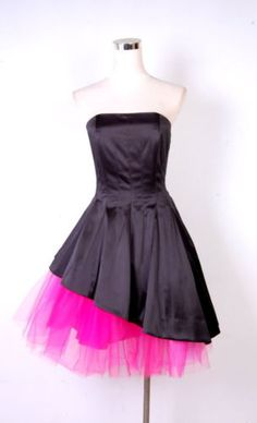 This would SO be my prom dress. My prom was in 1989, and SO could've been.