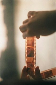 Retro Vintage films of memories Film Aesthetic, Aesthetic Vintage, Aesthetic Photo, Aesthetic Pictures, Blonde Aesthetic, Aesthetic Drawings, Aesthetic Girl, Aesthetic Clothes, Seven Film