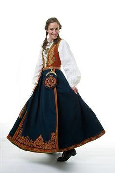 Bunad from Heimen Husflid - Telemark Traditional Dresses, Traditional Art, Folk Costume, Halloween Costumes, Norwegian Clothing, European Costumes, Ethnic Fashion, Womens Fashion, Light Dress