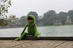 Hanoi je rarita sama o sobě. Bájnou želvu jsem neviděl, ale zato se všichni dívali na mě, jak se směju tomu, že by tam nějaká ještě snad měla být?! :)