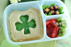 shamrock cut-out sandwich in #easylunchbox
