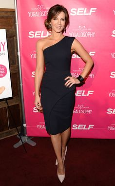 E! Online - Best Looks of the Week - Kate Beckinsale: The glam gal celebrated fitness expert Mandy Ingber's new book in Los Angeles in a black one-shoulder dress that sculpted her killer physique. She completed her simple yet striking ensemble with nude patent pumps, dangling earrings and a Ben-Amun cuff.