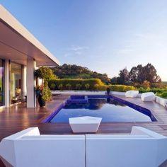 Beverly Hills House by Jendretzki.