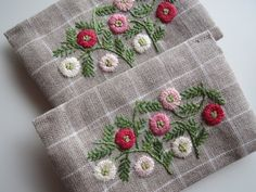 Embroidery Purse, Embroidery Patterns, Fabric Flowers, Pouches, Smocking, Diy And Crafts, Stitch, Sewing, Dish Towels