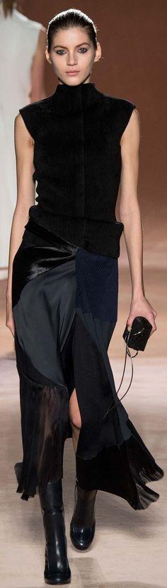 Casual, elegante y estiloso negro...