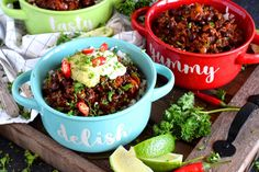 Chorizo and Black Bean Chili Bowls - Lord Byron's Kitchen Chorizo Chili Recipe, Chorizo Sausage, Spicy Chili, Chili Recipes, Black Bean Chili, No Bean Chili, Vegan Ground Beef, Crispy French Fries, Red Chili Powder