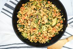 Peanut Chicken Stir Fry - Slender Kitchen. Works for Clean Eating, Gluten Free, Low Carb, Paleo, Weight Watchers® and Whole30® diets. 338 Calories.