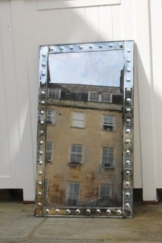 Looking Glass of Bath creates bespoke mirrors in Bath, UK. Our bespoke mirrors range from Contemporary, Traditional, Vintage, and more. Venetian Mirrors, Traditional Mirrors, Mirror Plates, Convex Mirror, Eye Frames, Wall Treatments, Diy On A Budget, White Paints