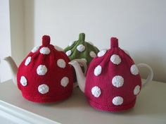 Polka dot (if you crocheted could you use the bobbly [dc5tog] stitch?)