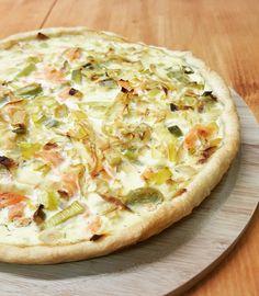 L'alliance parfaite du poireaux et du saumon fumé, réunis dans une quiche gourmande et équilibrée . Cette tarte est parfaite accompagnée d'une salade verte pour un repas complet, ou c…