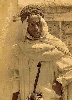 Mozabite Berber man. Algeria. 1860-1890
