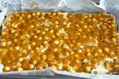 Prajitura Snikers — Alina's Cuisine Chana Masala, Macaroni And Cheese, Ethnic Recipes, Food, Kitchens, Mac And Cheese, Essen, Meals, Yemek