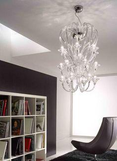 Lampara de cristal de tres pisos modelo Babylon diseñada y fabricada por la empresa Italiana Voltolina en Venecia. Visita nuestro showroom en Lima  www.italier.pe
