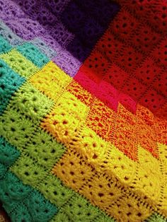 I know I've pinned other pics of this blanket before, but I just love it SO much.