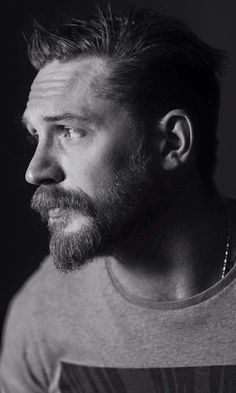 Tom hardy as Edgar Clinch