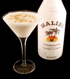 Manfort Martinis: Macaroon Martini ~ I'm not a Martini lover, but anything with Malibu has got to be good!!!