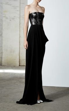 Shop Atticus Sequined Croc-Effect Strapless Crepe Gown. The 'Atticus' gown by Alex Perry is crafted with strapless bodice embellished with croc-effect sequins. Couture Fashion, Fashion Show, Peplum Gown, Evening Dresses, Prom Dresses, Long Dresses, Alex Perry, Night Gown, Strapless Dress Formal