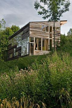 Renovated and modernised barn located in Toten, Norway by Jarmund/Vigsnæs Arkitekter.
