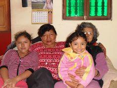 Que linda foto la Mary con su bisabula y su Madrina mi hermana Dra. EMILIA MEDINA PACHECO, y su prima NICOLE hijita de mi hermana Luz Medina BELLAS TODASSSS