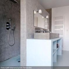 Ideen Für Ein Modernes Badezimmer Design Mit Praktischen Fliesen ... Badezimmer Klein Modern