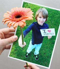 Voor Moederdag knutselen: foto met echte bloem! #DIY #moederdag
