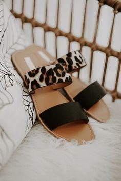 Dr Shoes, Tennis Shoes Outfit, Sandals Outfit, Hype Shoes, Fashion Sandals, Me Too Shoes, Shoes Sandals, Women Sandals, Footwear Shoes