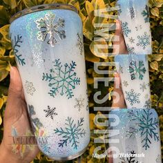 Glitter Cups, Glitter Tumblers, Ozark Trail Tumbler, Cup Logo, Arts And Crafts, Diy Crafts, Snowflake Designs, Tumbler Designs, Bottle Painting