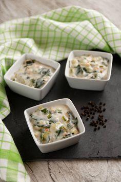 Leek and shrimp fondue casserole a winter starter Flan, Coconut Flakes, Starters, Casserole, Shrimp, Buffet, Food Photography, Brunch, Stuffed Mushrooms