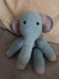 Amigurumi éléphant Amigurumi Elephant, Crochet Amigurumi, Decoration, Dinosaur Stuffed Animal, Toys, Animals, Decor, Activity Toys, Animales