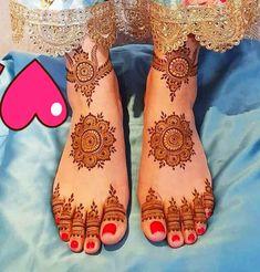 Pretty Henna Designs, Indian Mehndi Designs, Mehndi Designs Feet, Legs Mehndi Design, Mehndi Designs Book, Latest Bridal Mehndi Designs, Full Hand Mehndi Designs, Mehndi Designs For Girls, Mehndi Designs For Beginners