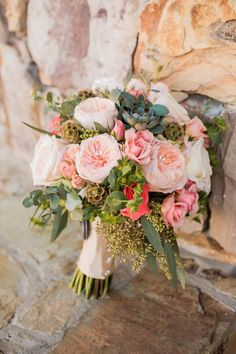 Top Ten Rustic Wedding Bouquet Recipes: Blush garden roses, succulents, eucalyptus, cream roses. // Meet The Burks Photo